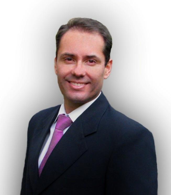Dr Mauricio Montero